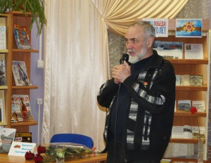 Выступает военный историк, краевед-поисковик, член Союза писателей России М.Г. Орешета
