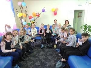 Каждый школьник получил закладку-памятку о Великой Отечественной войне